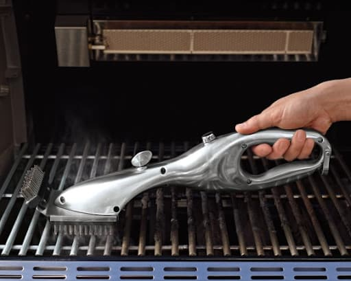 How To Clean Grill Grates - Brushing method