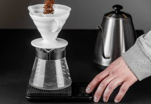 How To Make Ice Coffee: Pour-Over Dipper